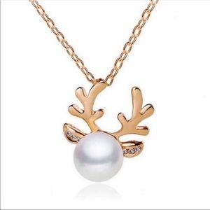 Jewelry - Reindeer necklace